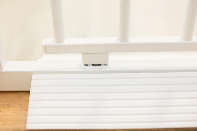 ZOPA Kovová zábrana Smart Close s automatickým zavíráním